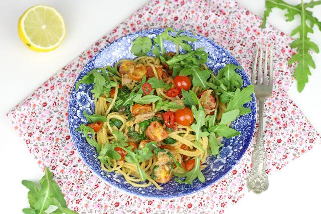 Zdjęcie Makaron z tuńczykiem i pomidorkami szybki obiad