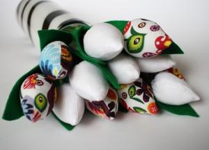 Tulipany łowickie i białe