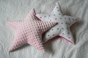 Gwiazdy dwustronne: minky jasny róż i szaro-amarantowe gwiazdki